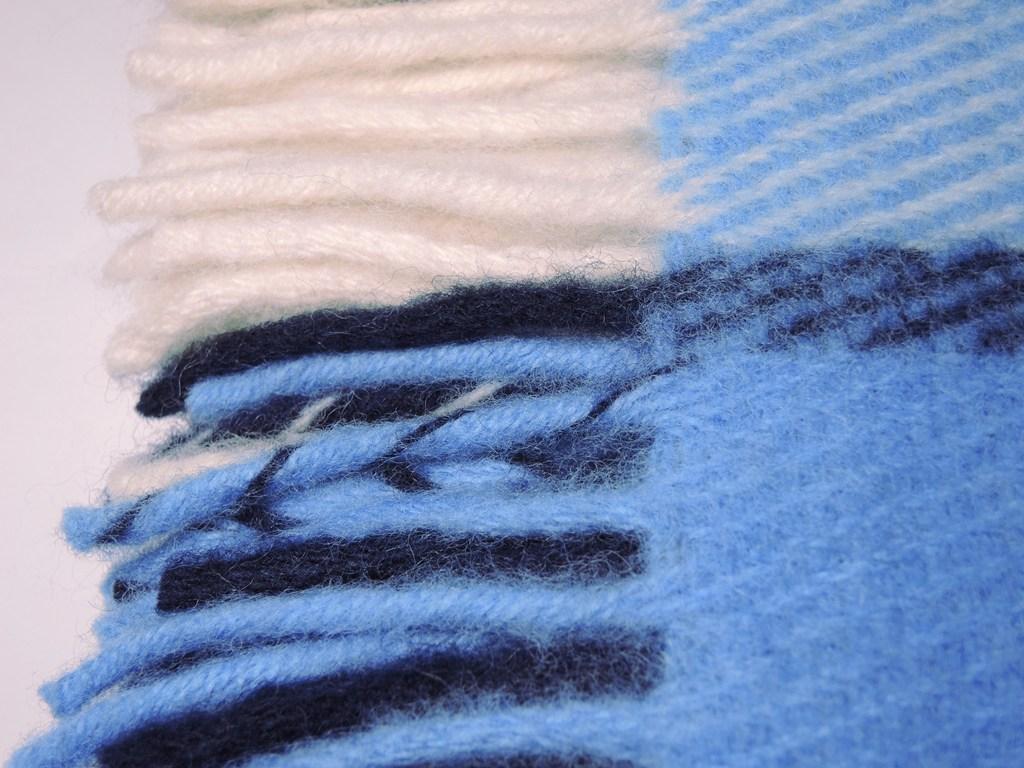 Плед шерстяной Saule Море 4890 руб.